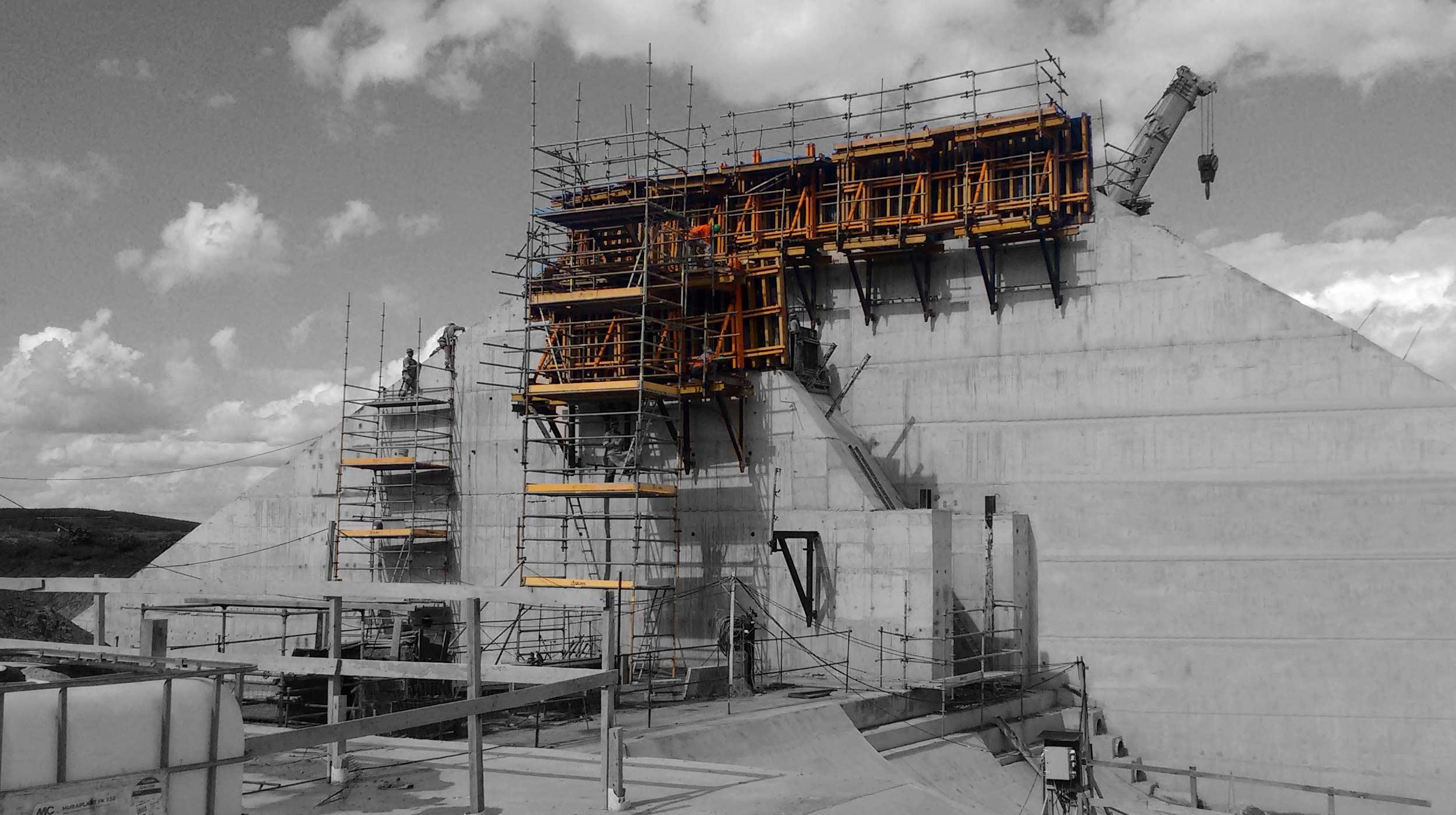 A Tractebel Energia, uma das maiores geradoras de energia elétrica privada do país, está construindo a mais nova UTE do Sul do país, a Usina Termelétrica Pampa Sul. Com capacidade instalada total de 680 MW, composta por duas unidades de 340 MW, a usina está localizada em Candiota-RS