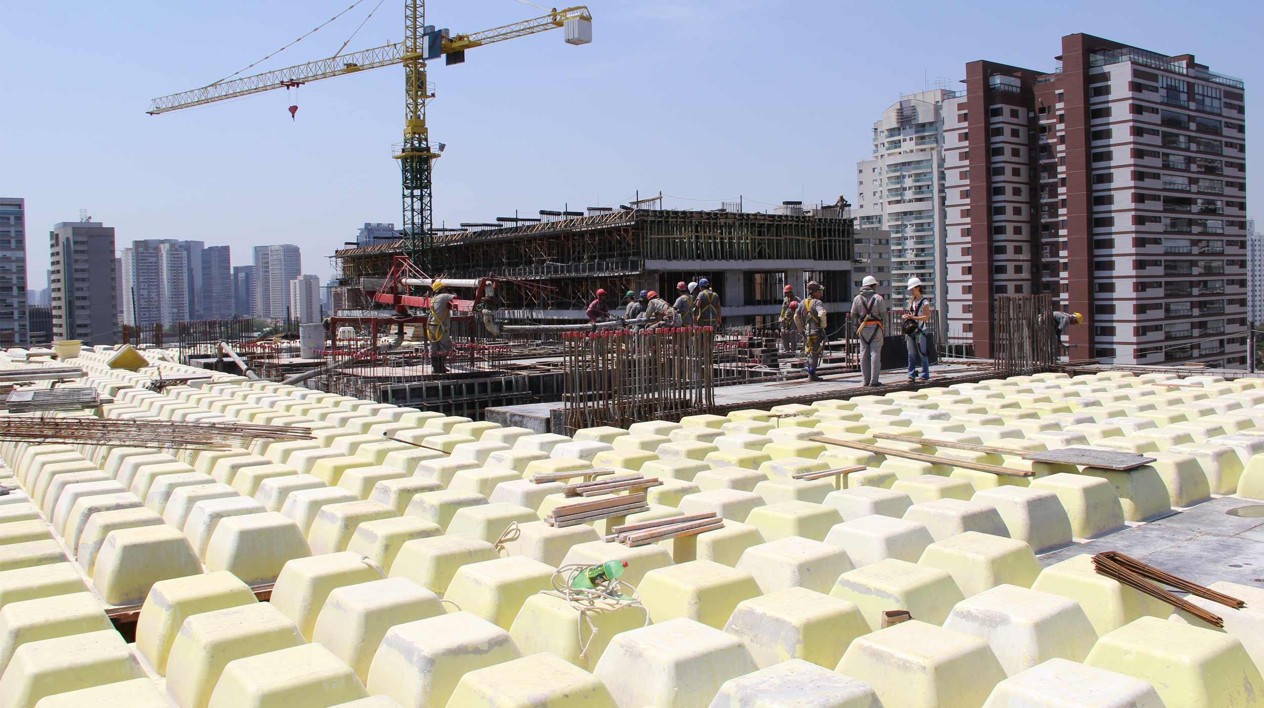 O empreendimento Urbanity, obra da Even Construtora, traz para São Paulo um complexo multiuso com a finalidade de reunir muitas possibilidades em um único lugar, agregando residenciais, escritórios, lajes corporativas e shopping.