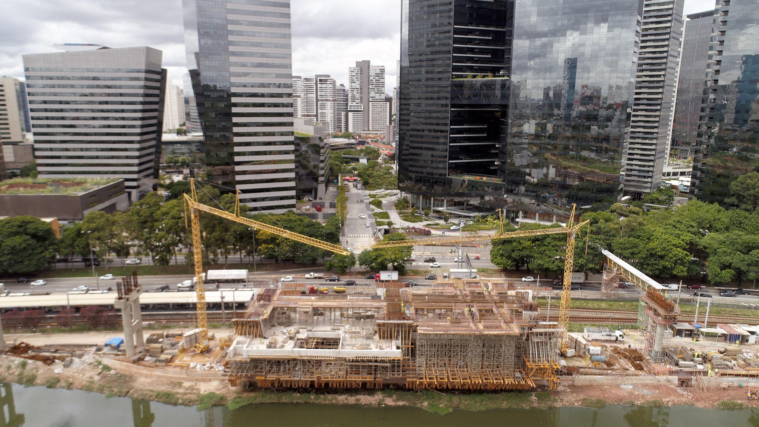 Uma importante obra de mobilidade urbana está sendo realizada no Morumbi, zona sul da cidade de São Paulo, que ligará o Aeroporto de Congonhas com o bairro do Morumbi.