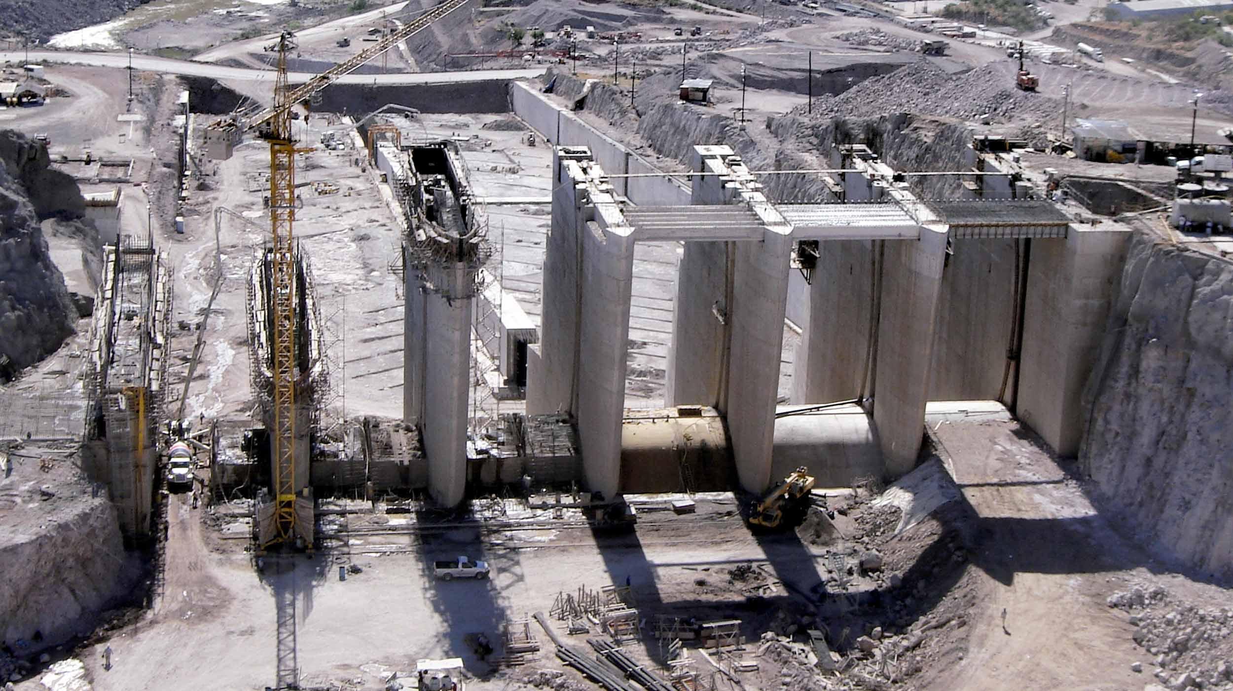 O Projeto Hidrelétrico El Cajón, localizado sobre o rio Santiago, é a maior obra de infraestrutura realizada no México nos últimos 10 anos.