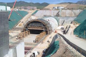 Ampliação do falso túnel de ferrovias, Terrassa, Espanha
