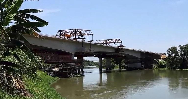 Ponte sobre o Rio Paraíba do Sul - Rezende-RJ